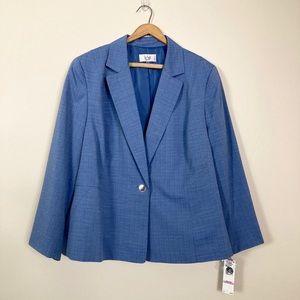NWT Le Suit light blue suit jacket and pants, 22W